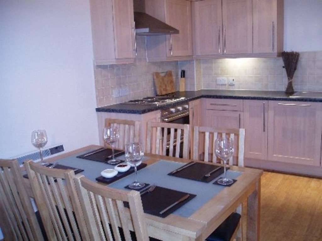 2 bed flat to rent in Newcastle Under Lyme  - Property Image 3