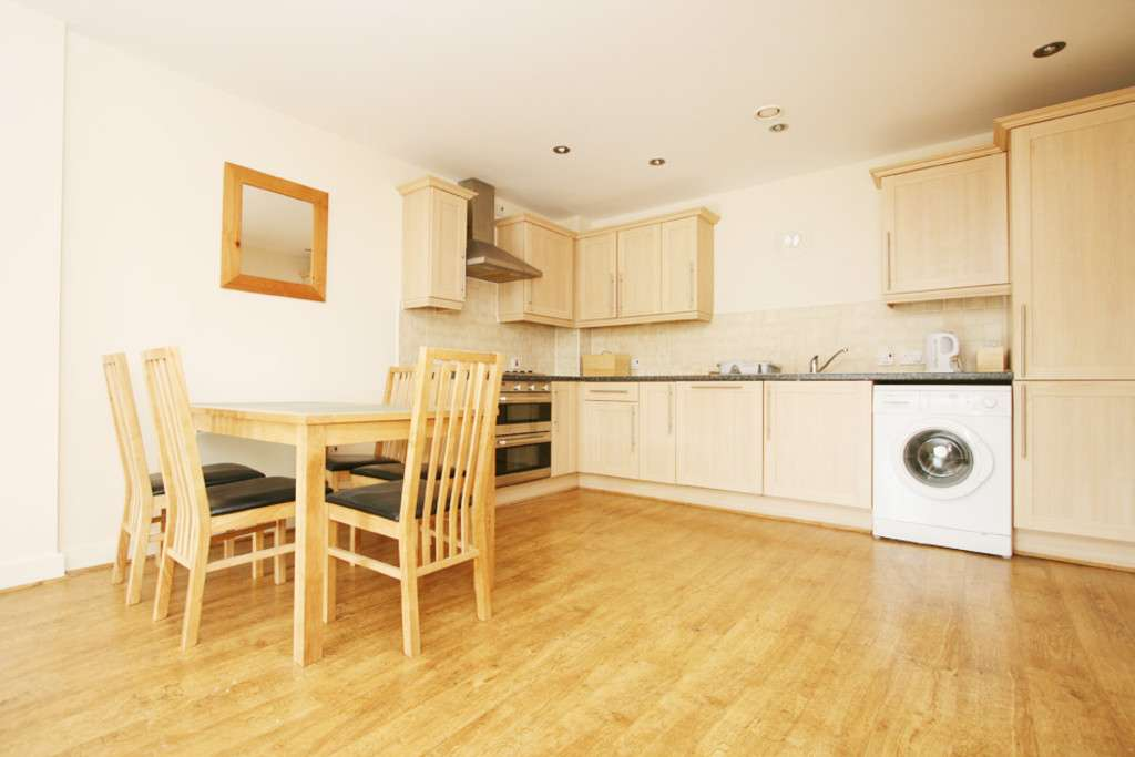 2 bed flat to rent in Newcastle Under Lyme  - Property Image 9