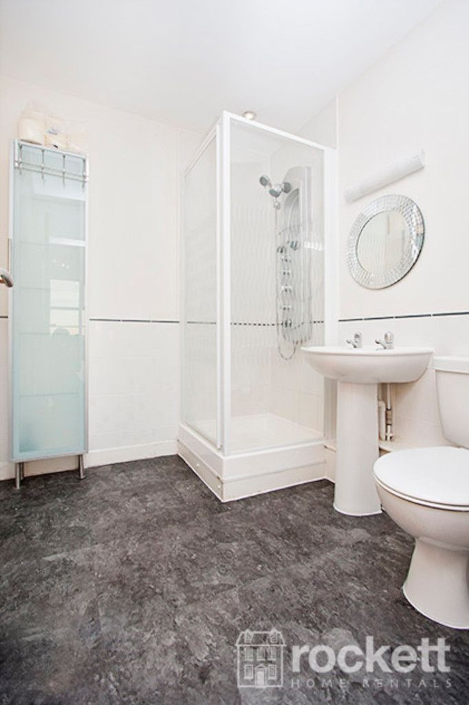 2 bed flat to rent in Newcastle-Under-Lyme  - Property Image 15