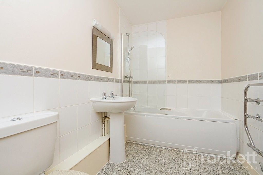 1 bed flat to rent in Newcastle Under Lyme  - Property Image 12