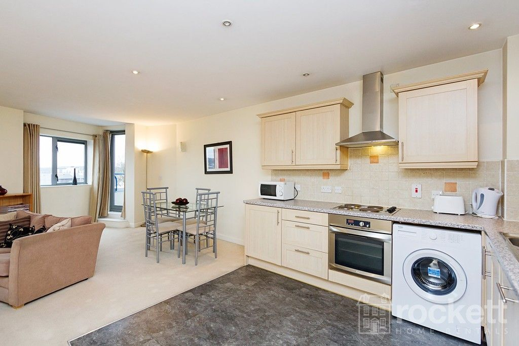 1 bed flat to rent in Newcastle Under Lyme  - Property Image 5
