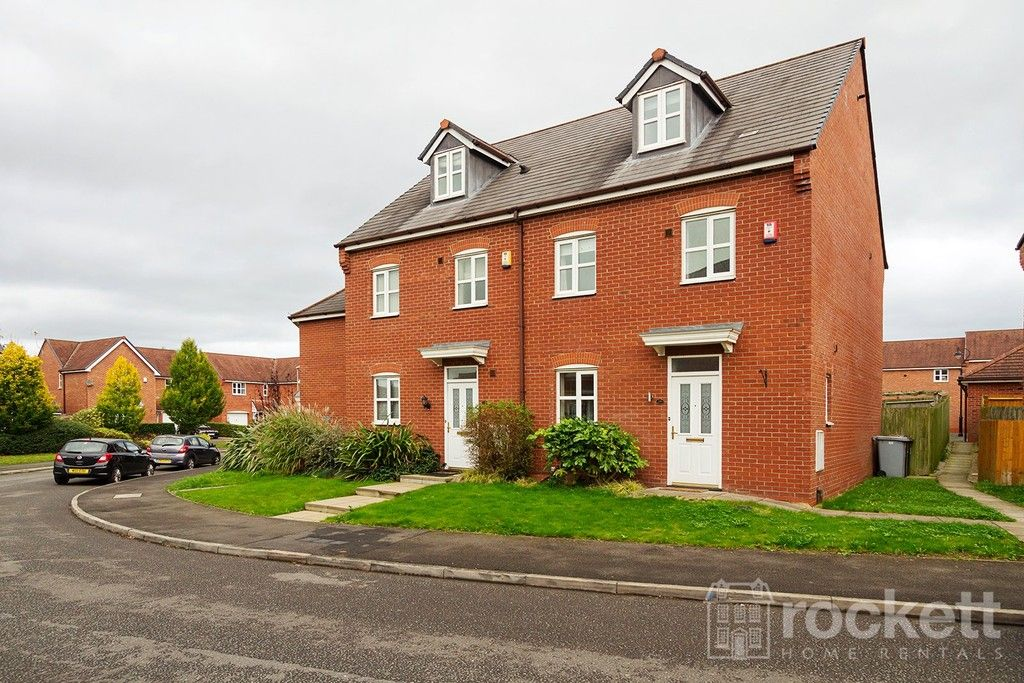 4 bed house to rent in Parklands Drive, Wychwood Village