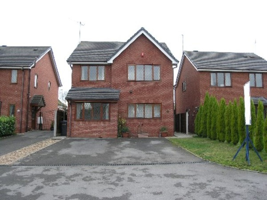 3 bed House to rent in Mayer Avenue, Newcastle Under Lyme, ST5