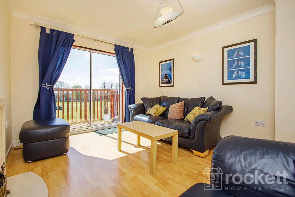 2 bed flat to rent in Newcastle Under Lyme  - Property Image 8