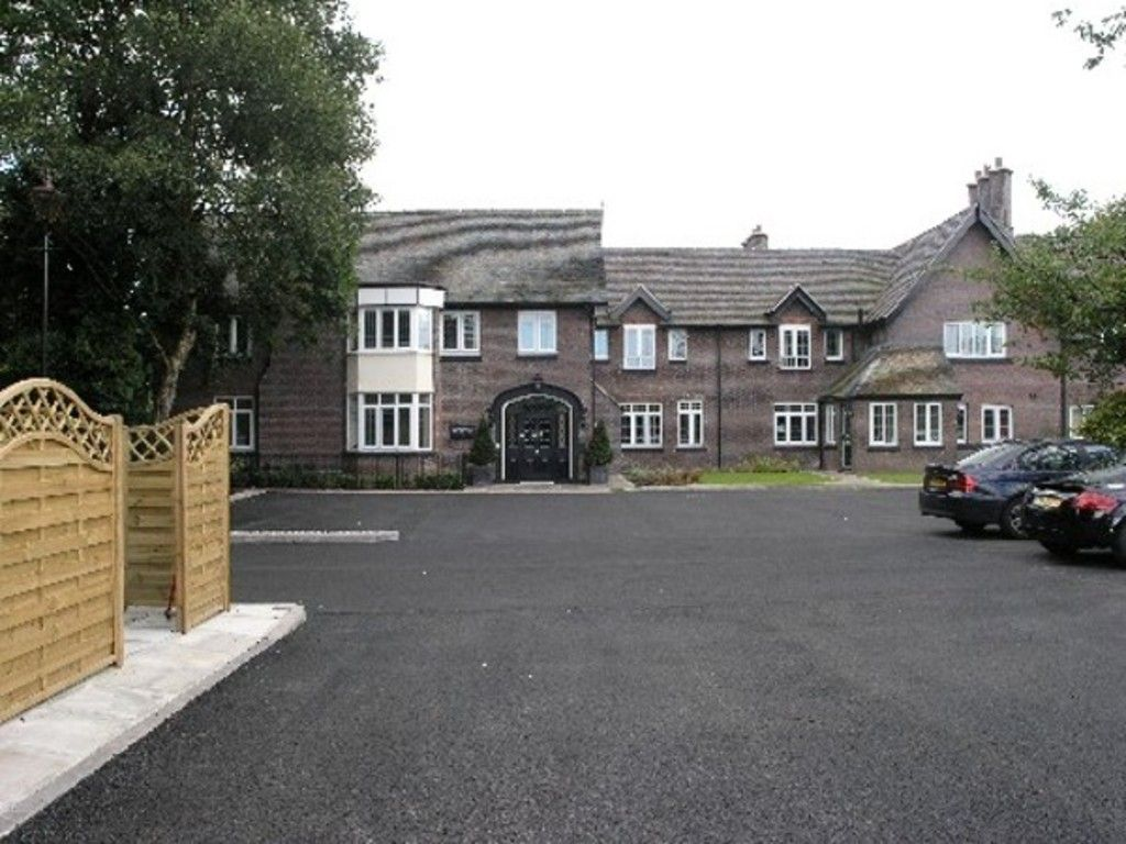 2 bed flat to rent in Stoke On Trent  - Property Image 1