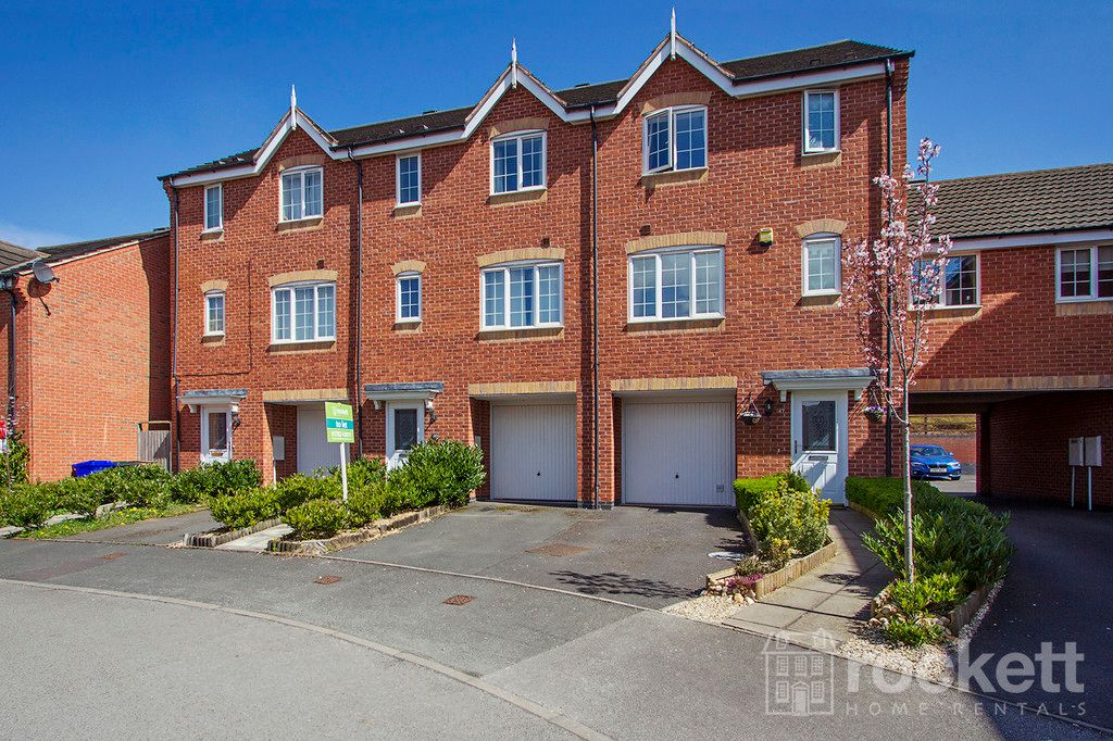 4 bed house to rent in Godwin Way, Stoke On Trent  - Property Image 2