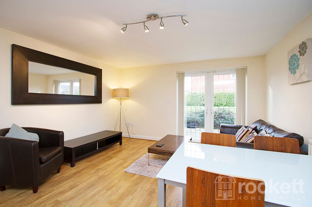 2 bed flat to rent in Kings Oak Court, Tittensor  - Property Image 8