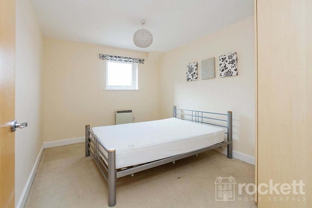 2 bed flat to rent in Newcastle Under Lyme  - Property Image 16