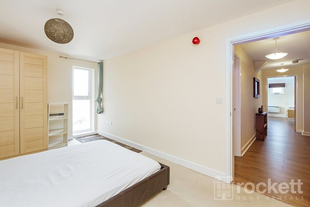 2 bed flat to rent in Newcastle Under Lyme  - Property Image 19