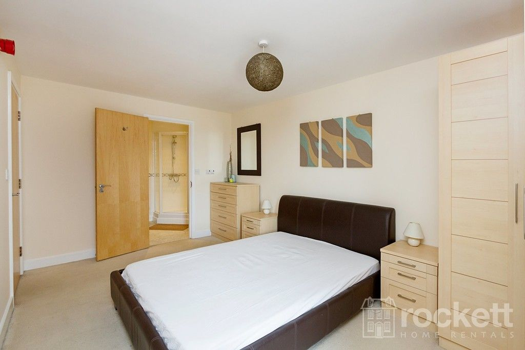 2 bed flat to rent in Newcastle Under Lyme  - Property Image 21