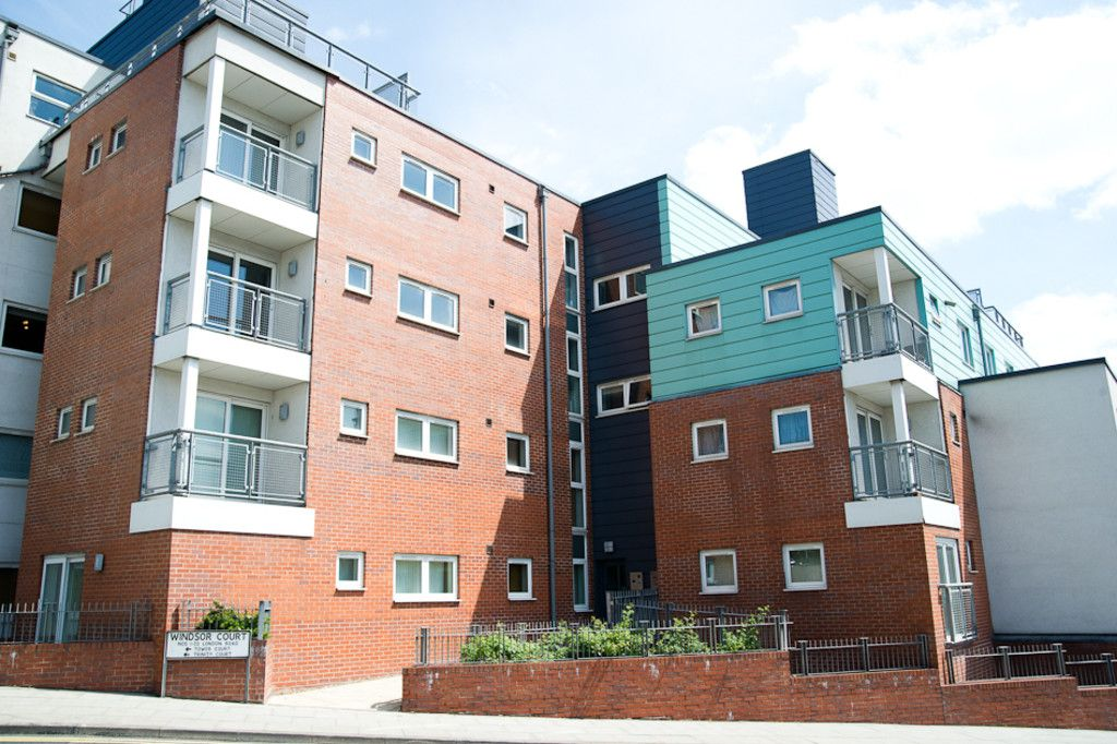 2 bed flat to rent in Newcastle Under Lyme  - Property Image 32