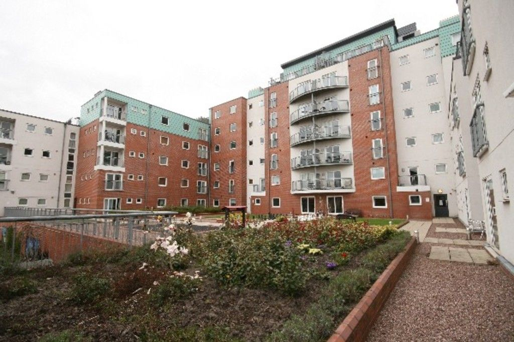 2 bed flat to rent in Newcastle Under Lyme  - Property Image 33