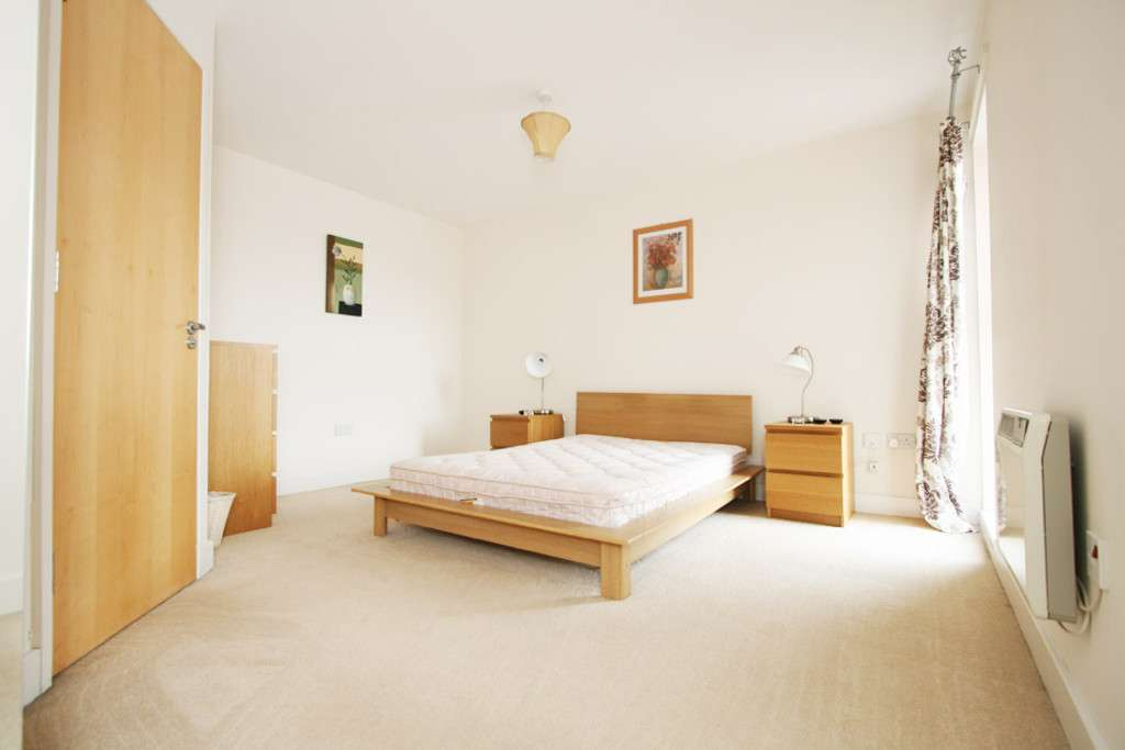2 bed flat to rent in Newcastle Under Lyme  - Property Image 10