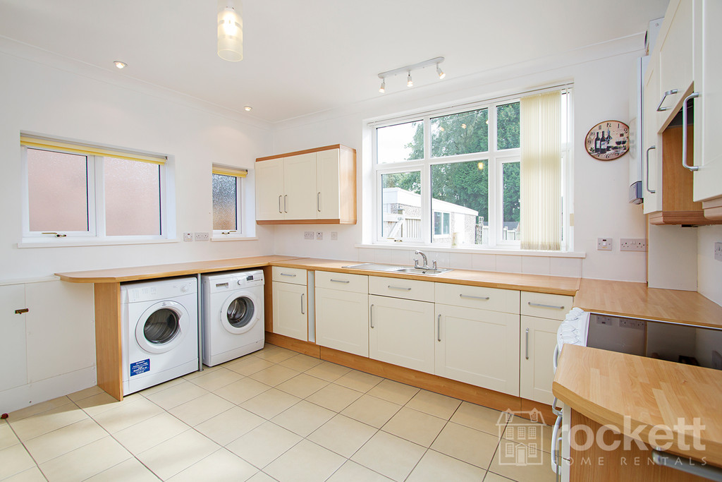 3 bed house to rent in Kingsway West, The Westlands, Newcastle Under Lyme  - Property Image 7