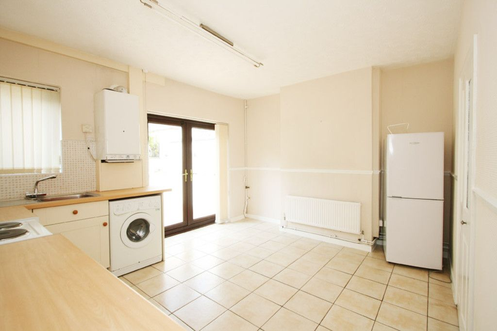 2 bed house to rent in Stoke-On-Trent  - Property Image 2
