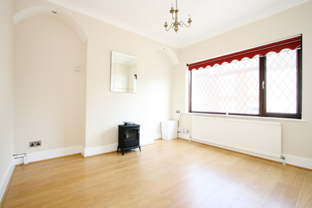2 bed house to rent in Stoke-On-Trent  - Property Image 4