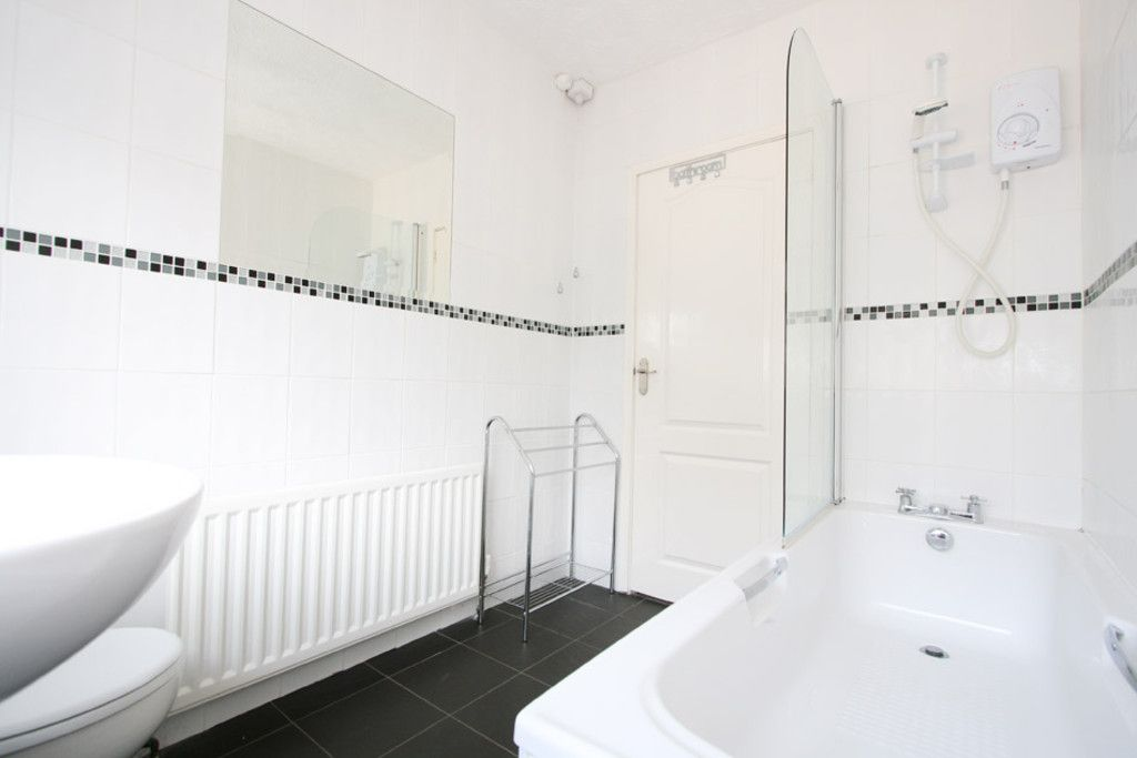 2 bed house to rent in Stoke-On-Trent  - Property Image 5