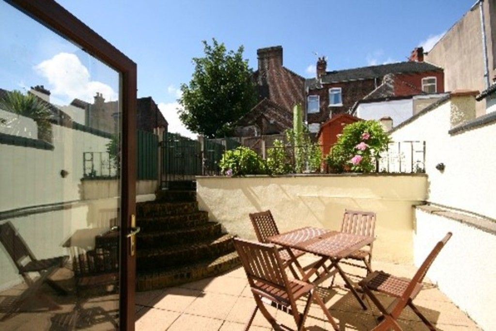 2 bed house to rent in Stoke-On-Trent  - Property Image 9