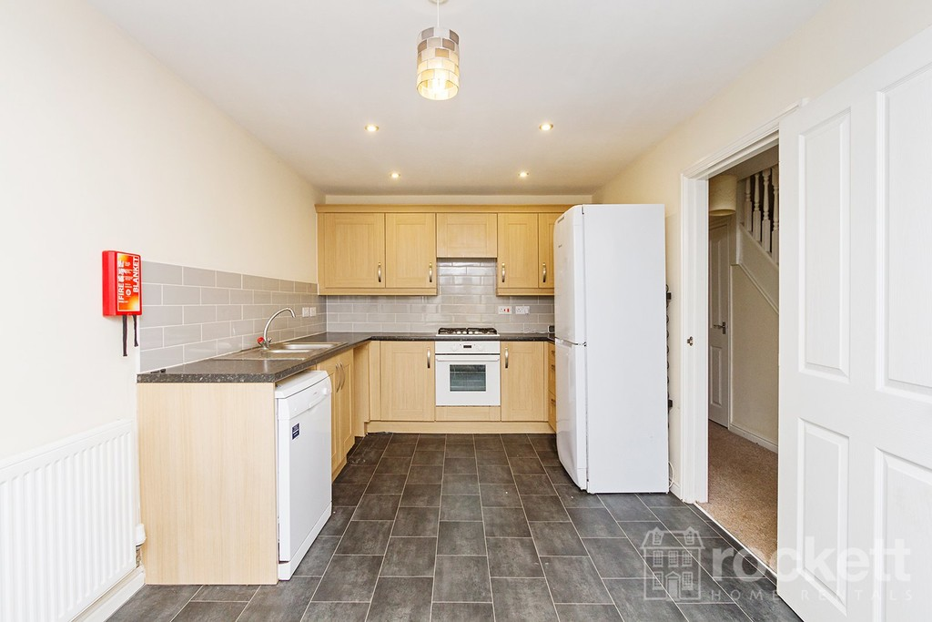 4 bed house to rent in Reedmace Walk, Newcastle Under Lyme  - Property Image 5