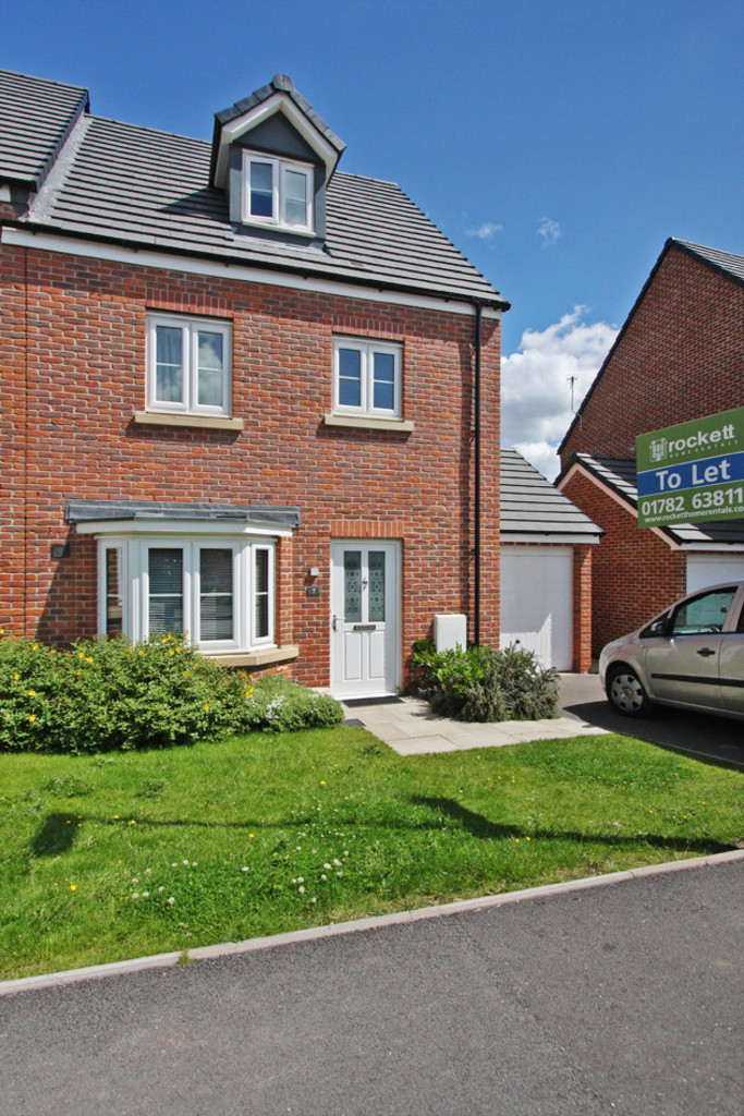 4 bed House to rent in Reedmace Walk, Newcastle Under Lyme