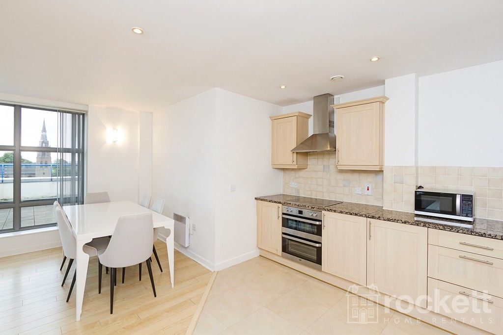 2 bed flat to rent in Newcastle Under Lyme  - Property Image 13