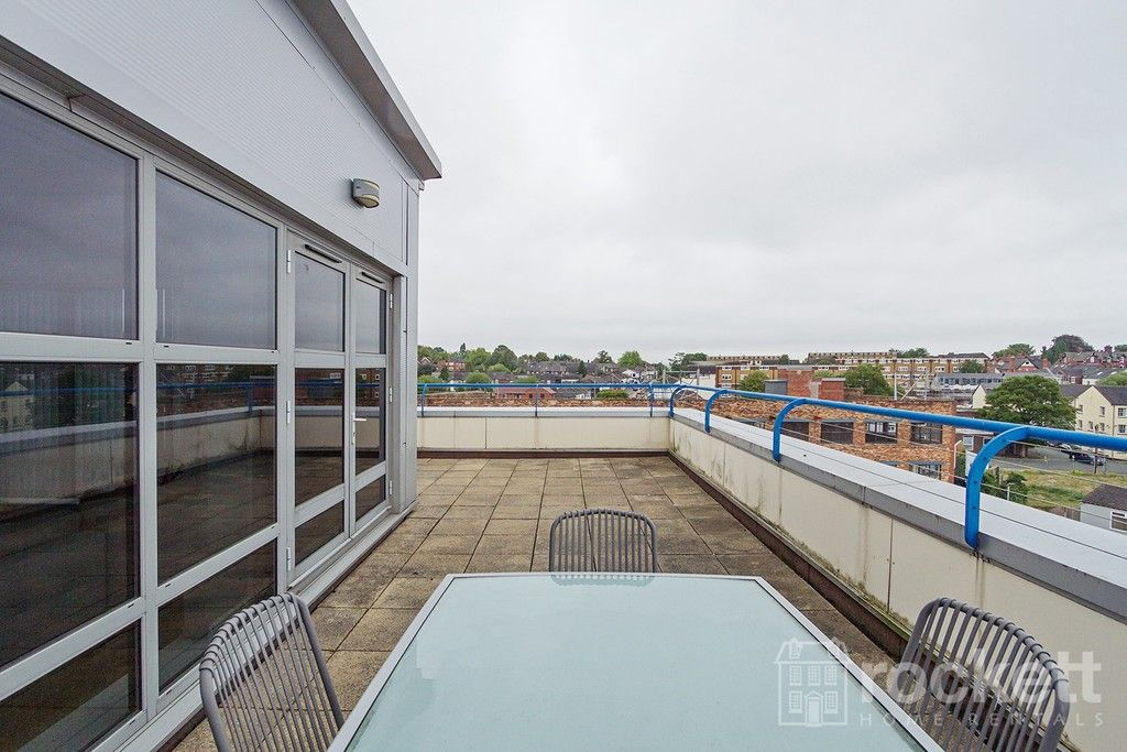 2 bed flat to rent in Newcastle Under Lyme  - Property Image 30
