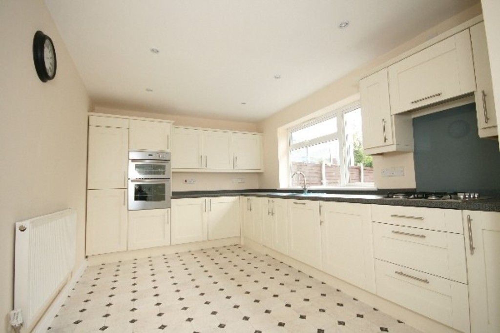 3 bed house to rent in Newcastle Under Lyme  - Property Image 1