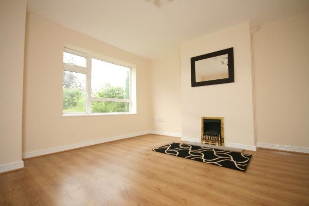 3 bed house to rent in Newcastle Under Lyme  - Property Image 3