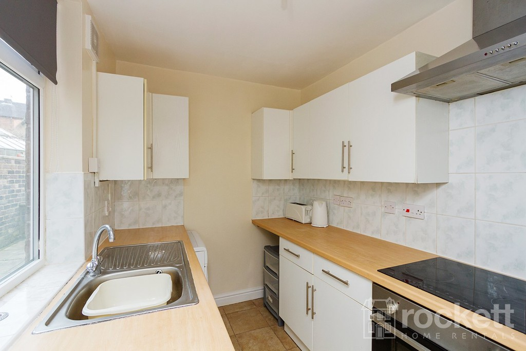 2 bed house to rent in Hanover Street, Newcastle Under Lyme  - Property Image 3