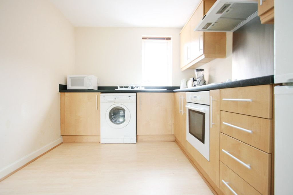 2 bed flat to rent in Chervil House, Tansey Way, Newcastle Under Lyme  - Property Image 5