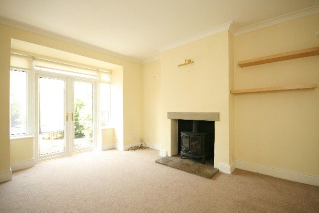 4 bed house to rent in Newcastle Under Lyme  - Property Image 3