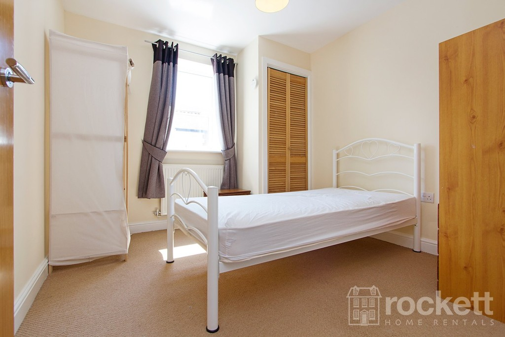 2 bed flat to rent in Faulds Court, Wolstanton  - Property Image 17