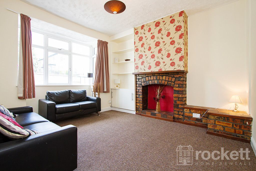 5 bed house to rent in London Road, Newcastle Under Lyme  - Property Image 2