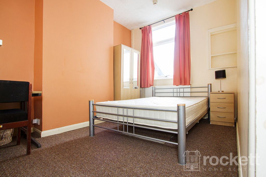 5 bed house to rent in London Road, Newcastle Under Lyme  - Property Image 15