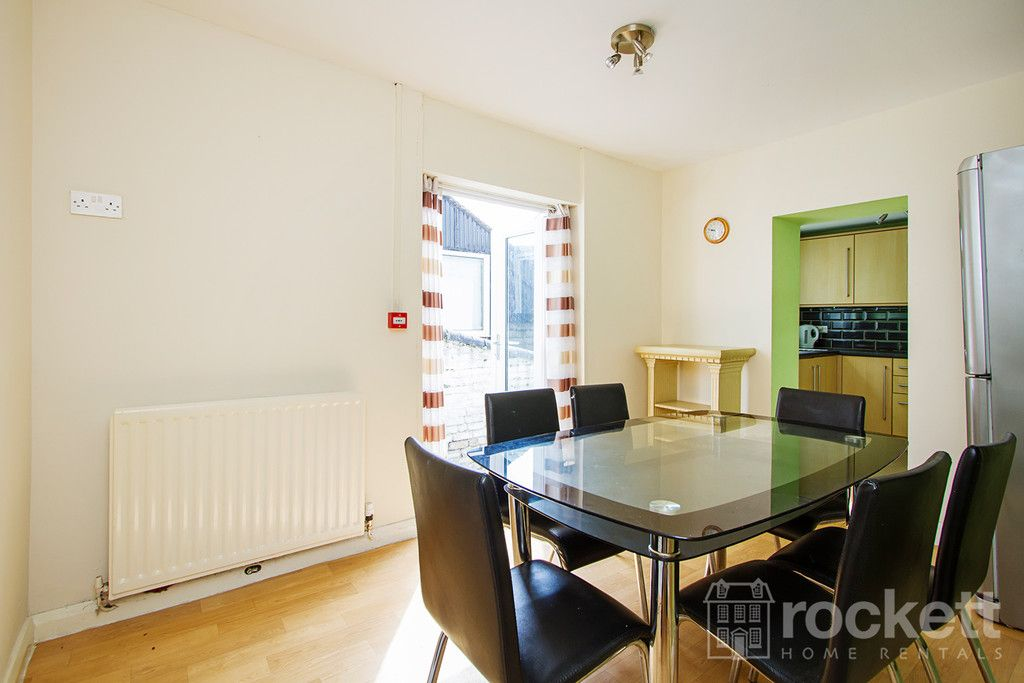 5 bed house to rent in London Road, Newcastle Under Lyme  - Property Image 5