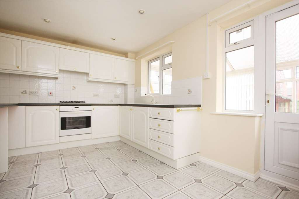4 bed house to rent in Sophia Way, Newcastle Under Lyme  - Property Image 3