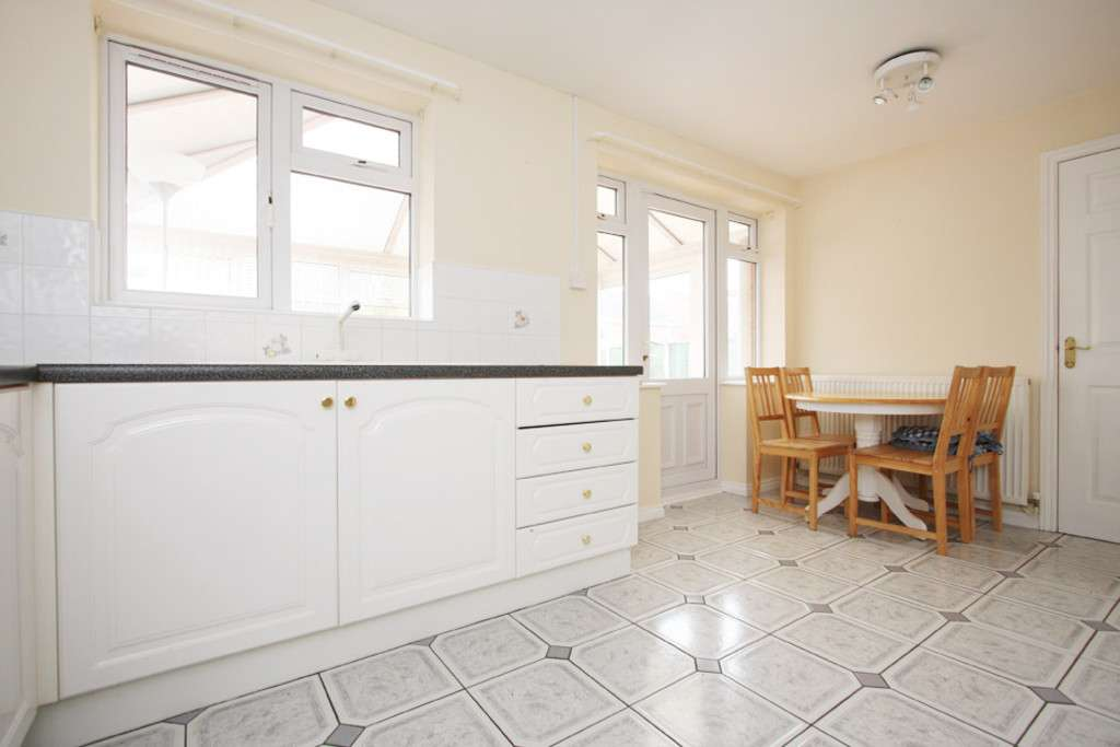 4 bed house to rent in Sophia Way, Newcastle Under Lyme  - Property Image 4