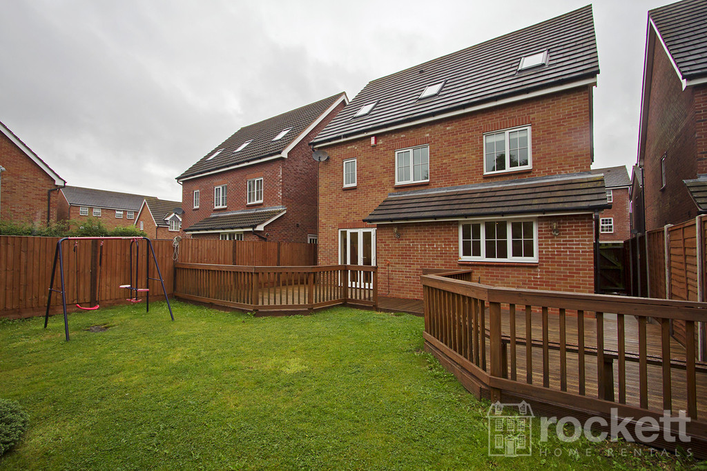 6 bed house to rent in Trentbridge Close, Trentham Lakes, Staffordshire  - Property Image 17