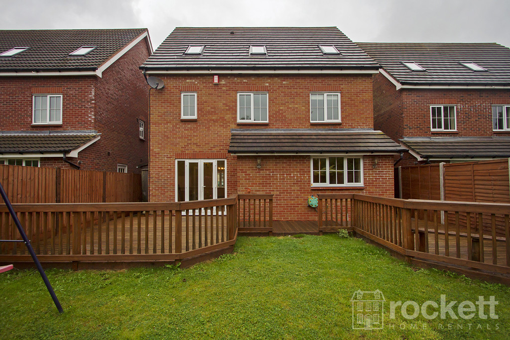 6 bed house to rent in Trentbridge Close, Trentham Lakes, Staffordshire  - Property Image 18