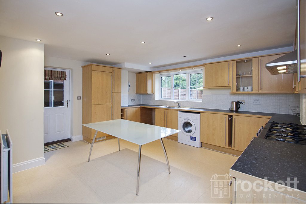 6 bed house to rent in Trentbridge Close, Trentham Lakes, Staffordshire  - Property Image 4