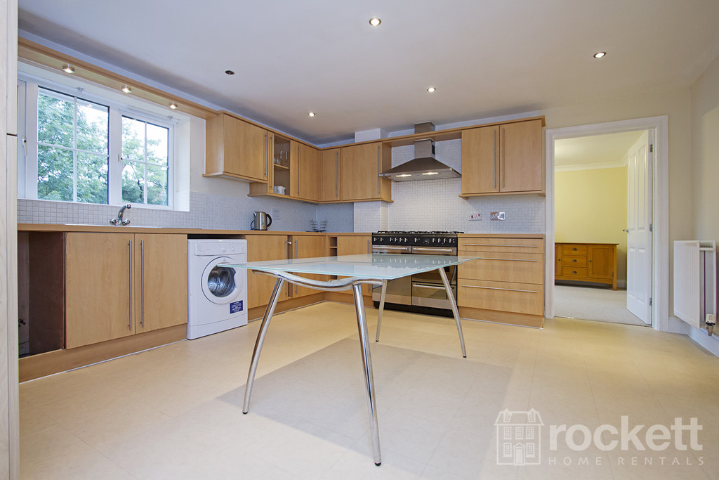 6 bed house to rent in Trentbridge Close, Trentham Lakes, Staffordshire  - Property Image 9