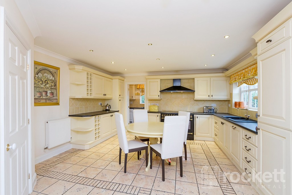 6 bed house to rent in Fairhaven, Weston  - Property Image 2