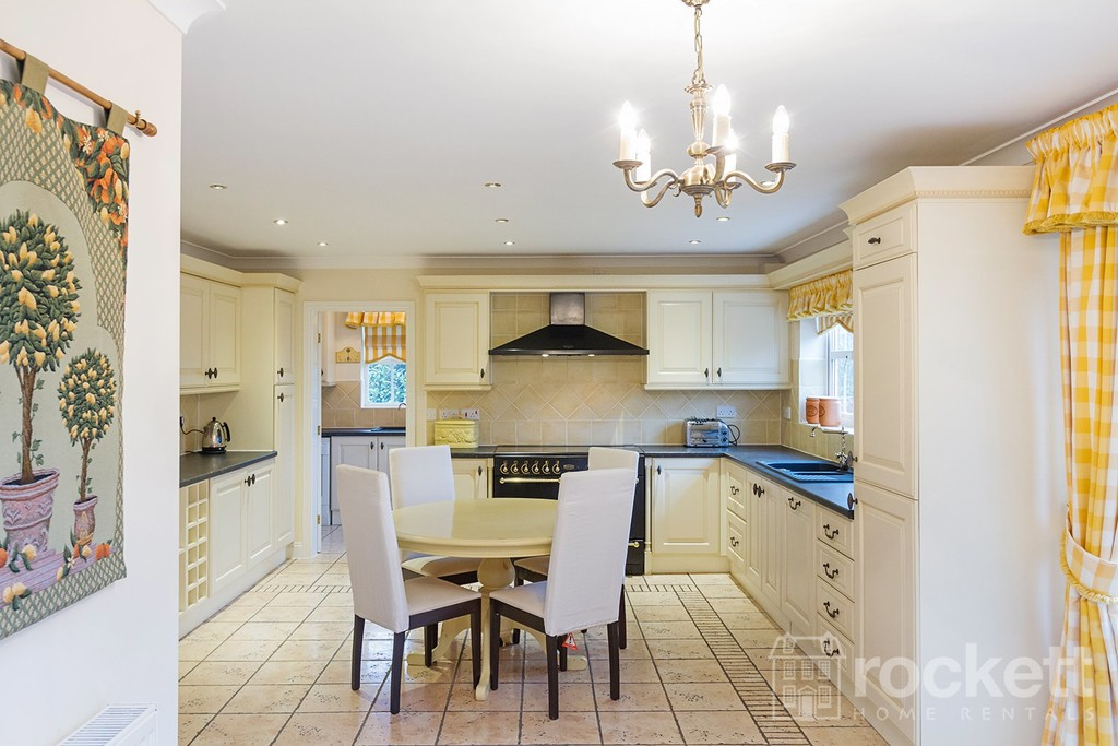 6 bed house to rent in Fairhaven, Weston  - Property Image 3