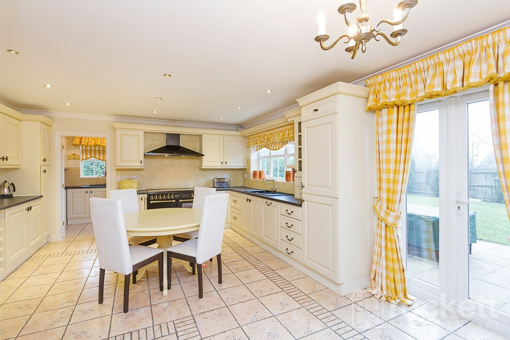 6 bed house to rent in Fairhaven, Weston  - Property Image 4