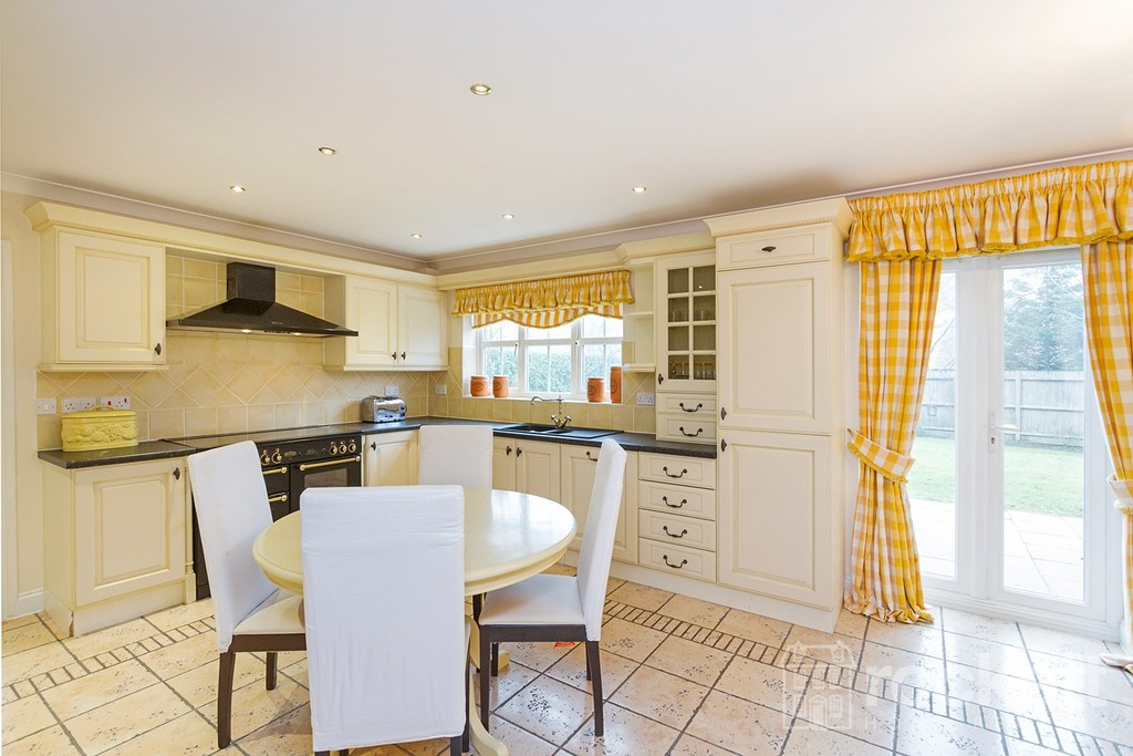 6 bed house to rent in Fairhaven, Weston  - Property Image 5