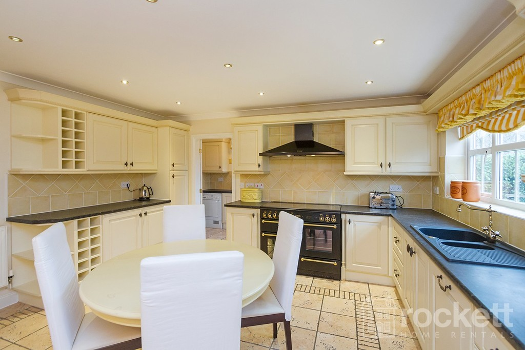 6 bed house to rent in Fairhaven, Weston  - Property Image 6