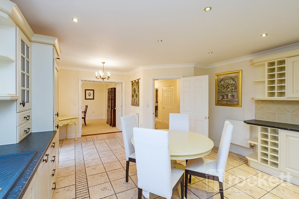 6 bed house to rent in Fairhaven, Weston  - Property Image 9