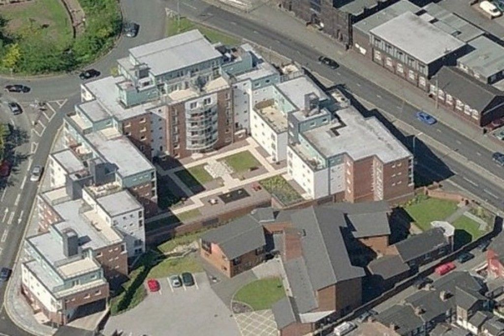 2 bed flat to rent in Newcastle Under Lyme  - Property Image 2