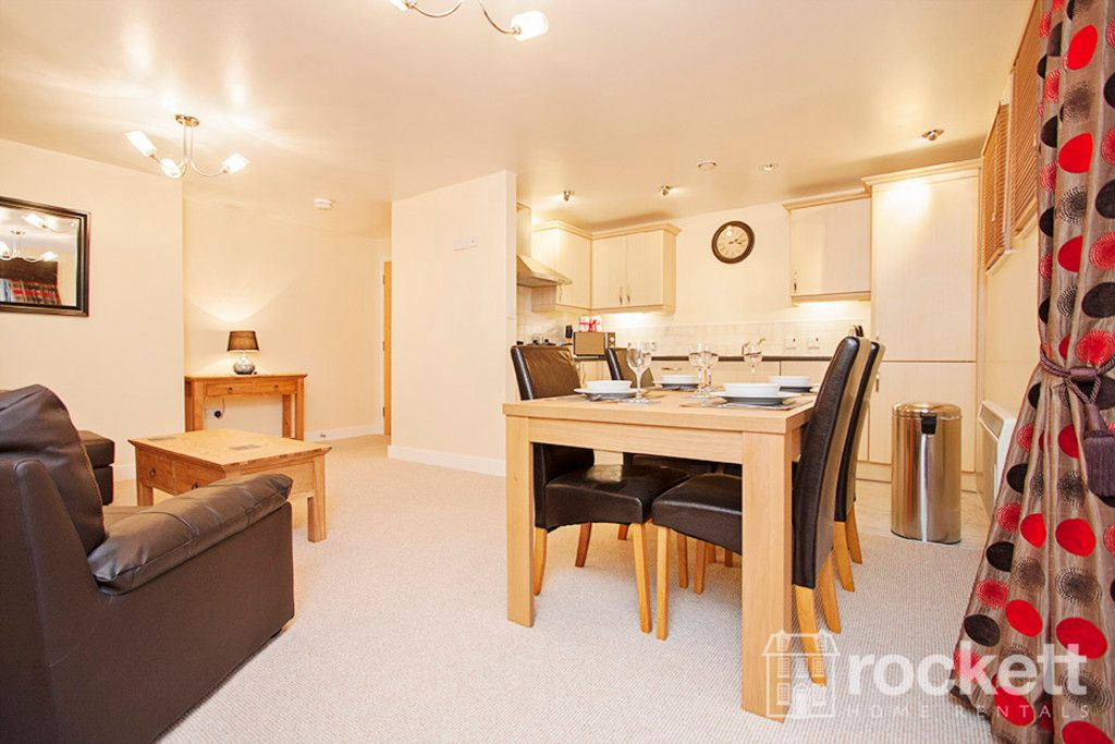 2 bed flat to rent in Newcastle Under Lyme  - Property Image 4