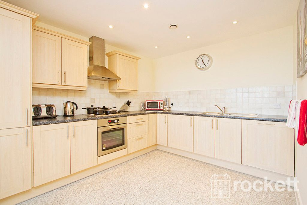 2 bed flat to rent in Brunswick Court, Newcastle Under Lyme  - Property Image 7